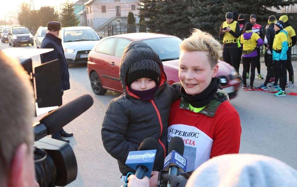 Natalia Lińczowska tuż po dotarciu na metę akcji SuperMoc dla Życia