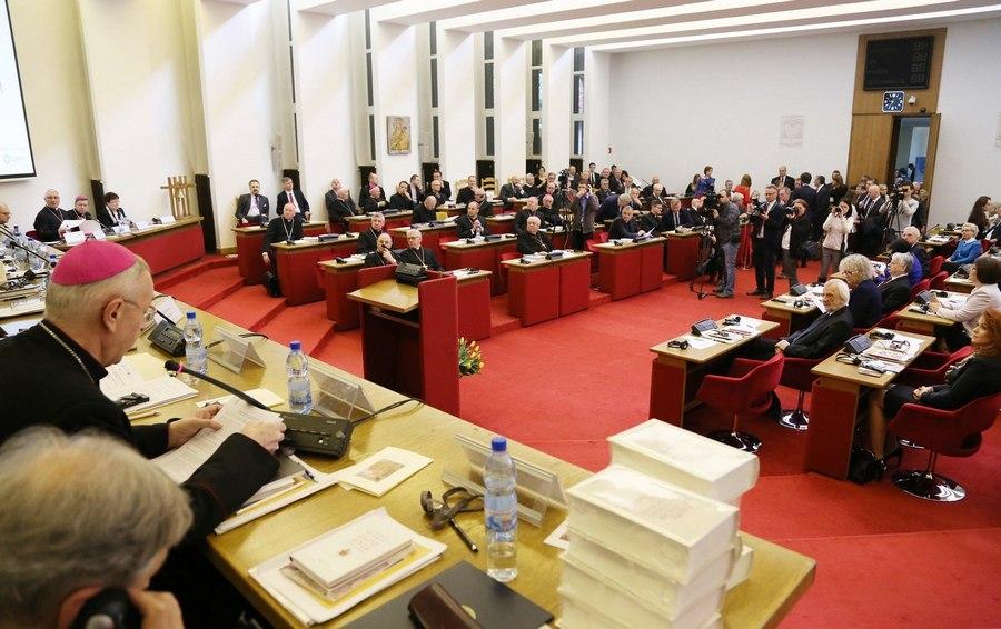 Konferencja - Benedykt XVI - Warszawa
