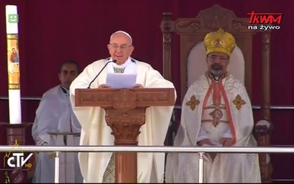 Papieska Msza św. w Kairze podczas pielgrzymki do Egiptu