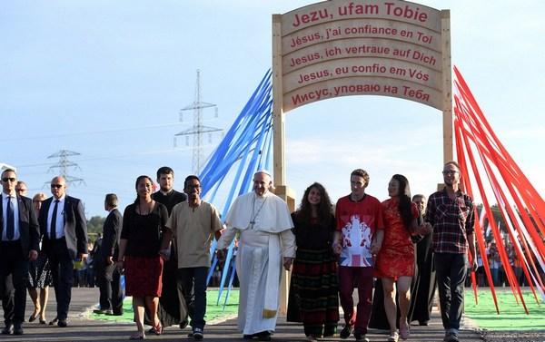 Papież w Polsce – Modlitewne czuwanie Franciszka z młodzieżą na Campus Misericordiae – 30 lipca 2016