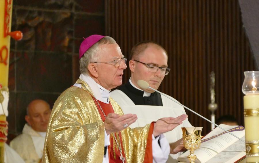 Abp Marek Jędraszewski i ks. Rafał Wilkołek