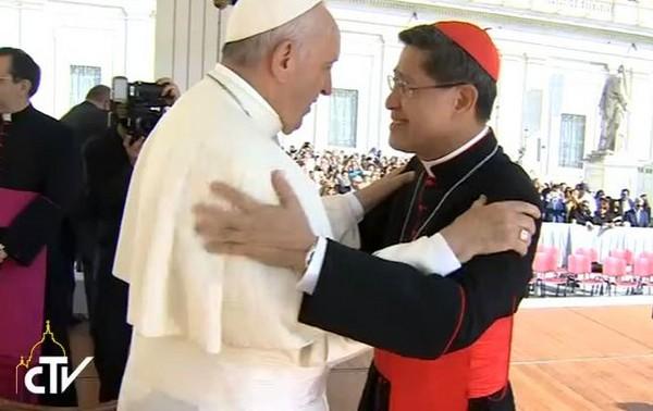 Papież i kard. Tagle