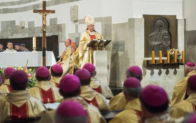 Prymas Polski w kościele akademickim KUL o Najświętszym Sercu Jezusa: taki patronat zobowiązuje - 14 października 2017