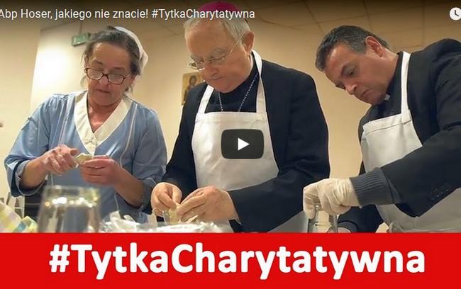Tytka Charytatywna – Biskupi lepią pierogi z okazji Światowego Dnia Ubogich 2017