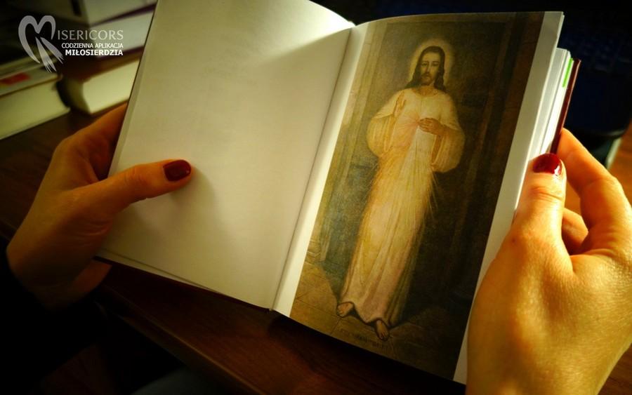 Z obrazem Jezusa Miłosiernego