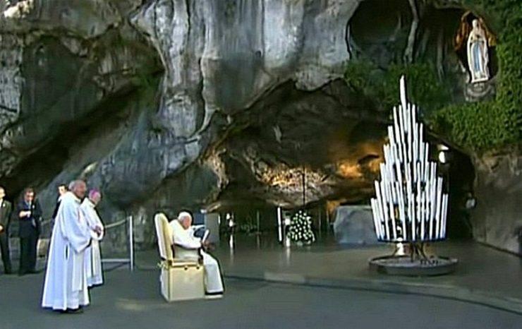 Jan Paweł II w Lourdes, 2004