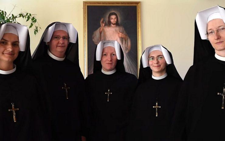 Siostry Matki Bożej Miłosierdzia z Łagiewnik uczestniczkami akcji #Hot16Challenge2